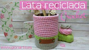 Funda de crochet para lata reciclada