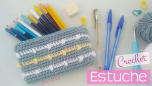 "Estuche ""new grade"" crochet"